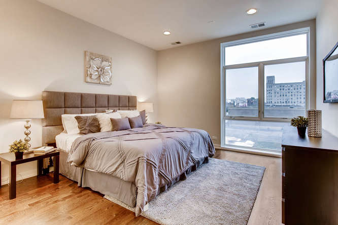 5 N Oakley Blvd 301 Chicago IL-small-006-9-Master Bedroom-666x444-72dpi